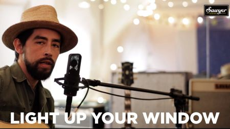 Jackie Greene releases a new video, plays Saint Rocke
