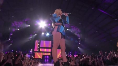 Iggy Azalea reschedules her Great Escape Tour for the fall