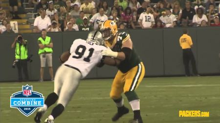 Green Bay Packers take care of their own free agents