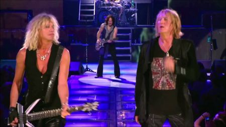 Def Leppard unveils U.K. tour dates with Whitesnake