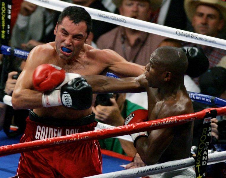 Oscar De La Hoya: Mayweather fought De La Hoya in May 2007 fight at MGM Grand. Mayweather won by a slim margin. The judges scores: Tom Kaczm