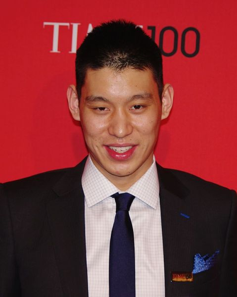 Los Angeles Lakers will have some tough decisions to make this summer. Re-signing Jeremy Lin will likely be one of them.