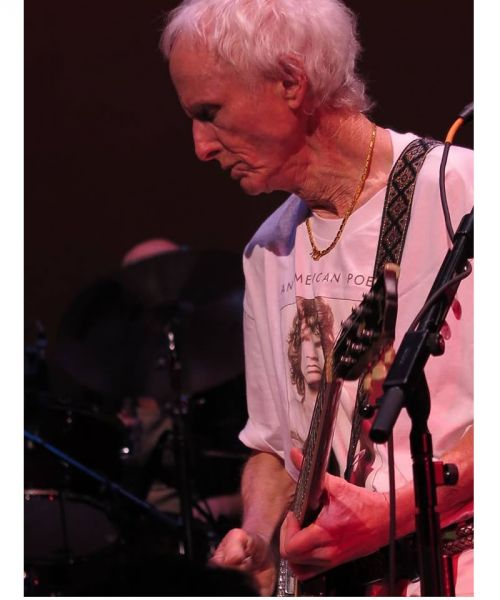 Robby Krieger  sc 1 st  AXS.com & Guitarist Robby Krieger to bring Doors history solo career to ...