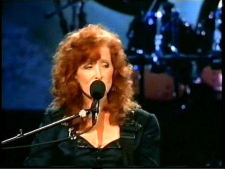 10 Best Bonnie Raitt songs