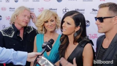 Little Big Town perform 'Girl Crush' at the Billboard Awards with Faith Hill