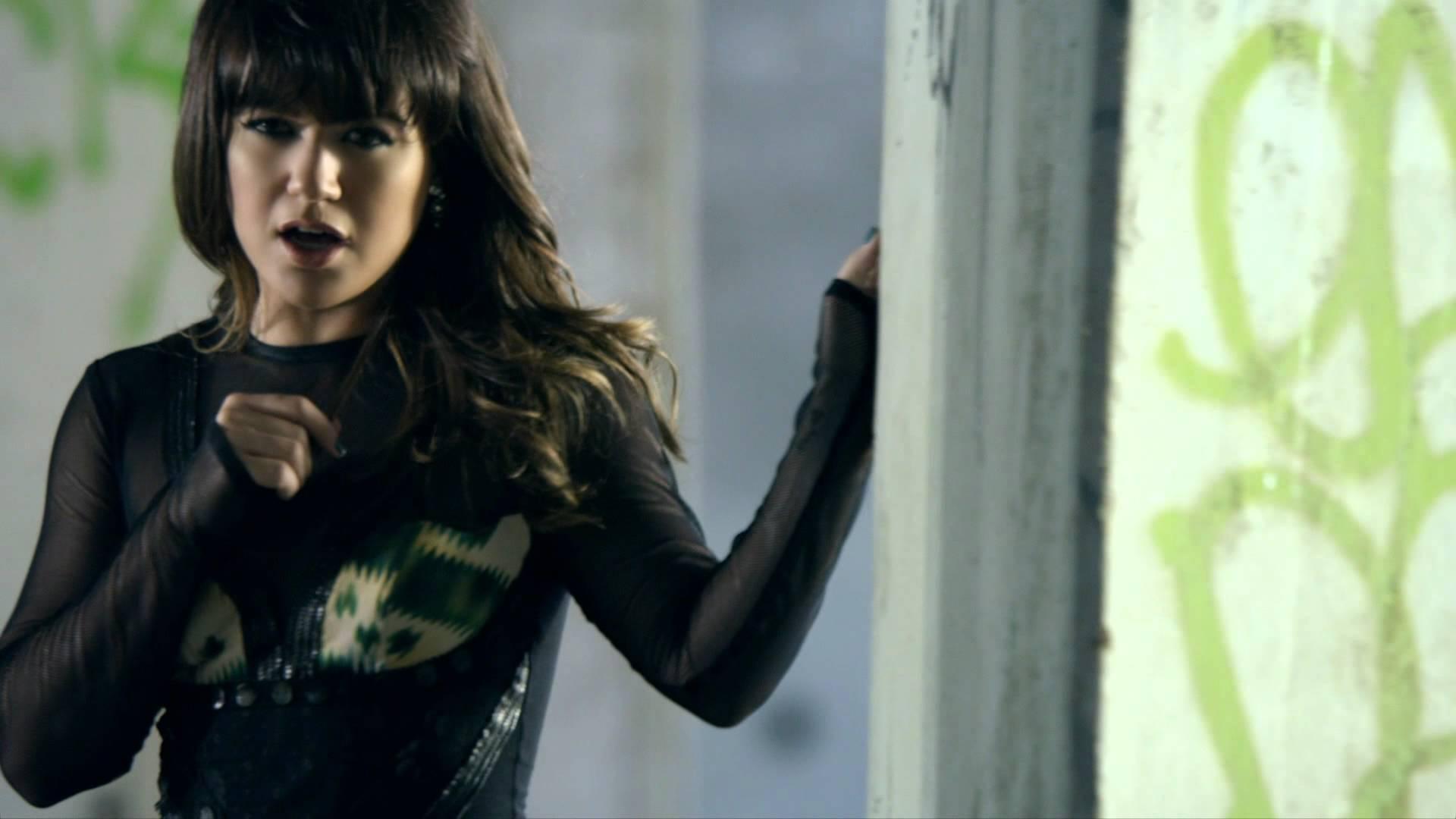 Kelly Clarkson\'s 5 best lyrics / verses - AXS