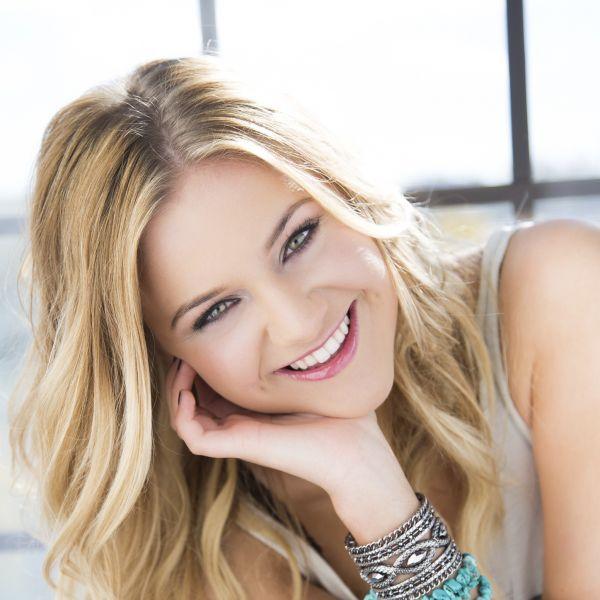 Kelsea Ballerini Is Country Musics New It Girl - Axs-5757