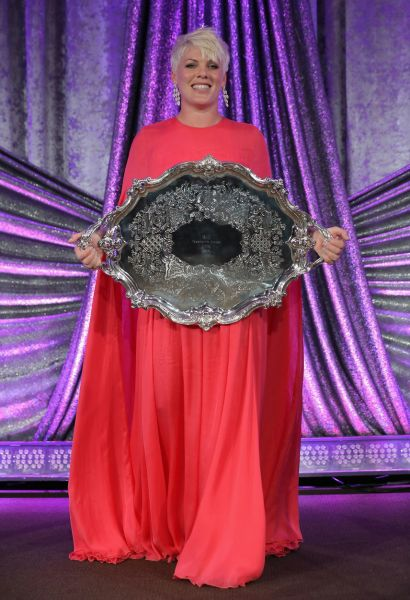 Pink receives the President's Award at the Pop Music Awards
