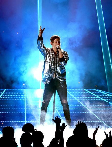 Nick Jonas performs at the 2015 Billboard Music Awards