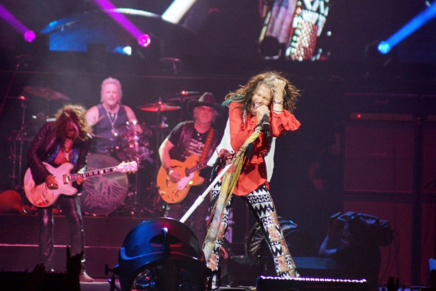 Concert review: Aerosmith pours their sweet emotion into Glendale - AXS