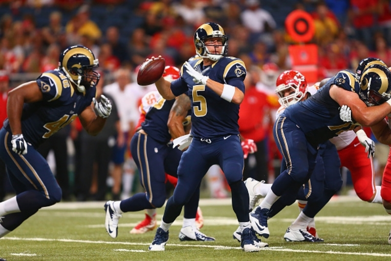 Quarterback Nick Foles will make his regular season debut for the St. Louis Rams on Sunday, when the club hosts the Seattle Seahawks at the
