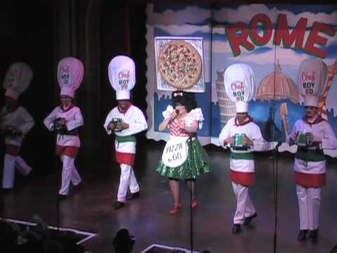 Curtain Up On 039 Beach Blanket Babylon Holiday Show In