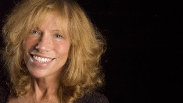 Carly simon reveals who youre so vain about