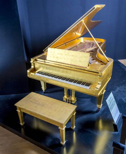 Hard Rock has announced they have acquired their 80,000th collectible: Elvis Presley's historic gold piano.