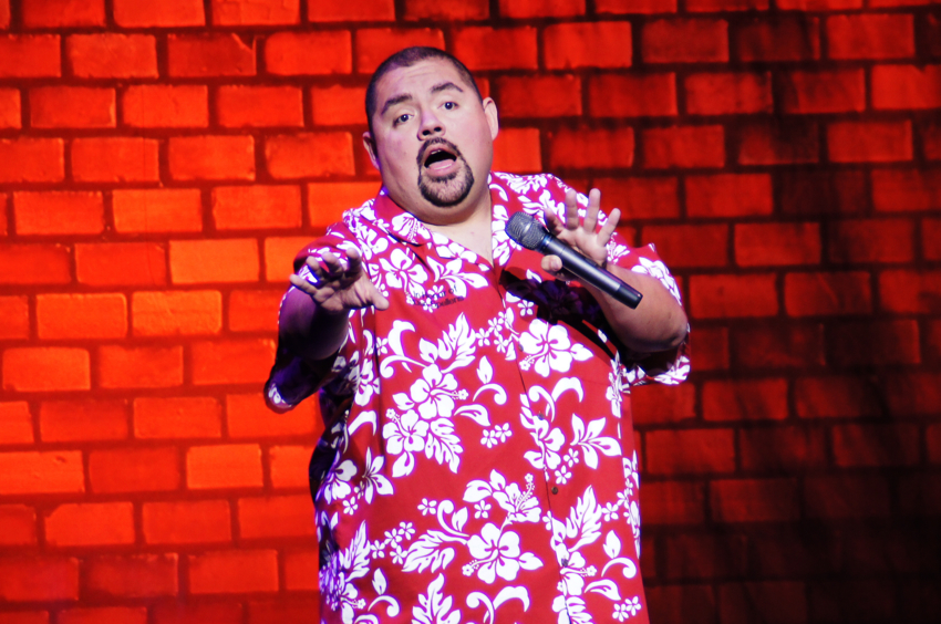 Gabriel Iglesias perfoming in Chicago in 2014.
