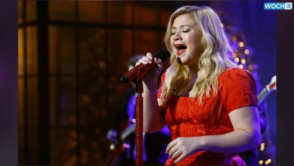 Best 5 Kelly Clarkson 'Wrapped in Red' songs for your holiday playlist