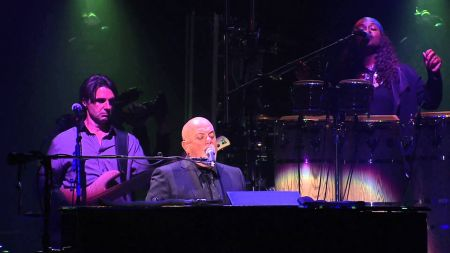 Billy Joel sells out record-breaking 30th show at Madison Square Garden