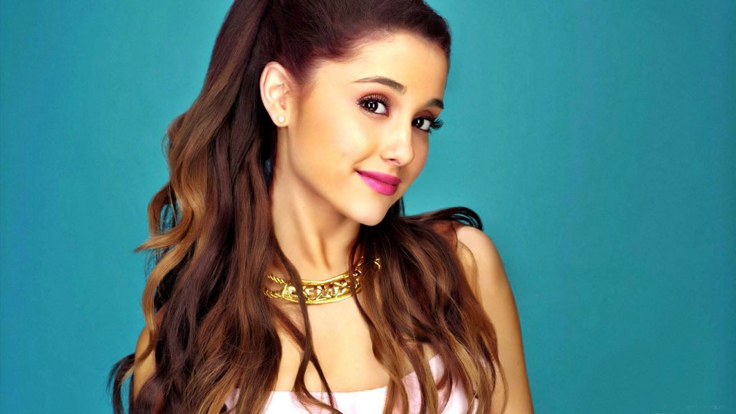 Ariana Grande Performed Zero To Hero For The First Time At Disney