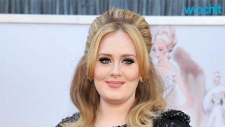 Adele's '25' sells 7.44 million copies in 2015; closes year at No. 1