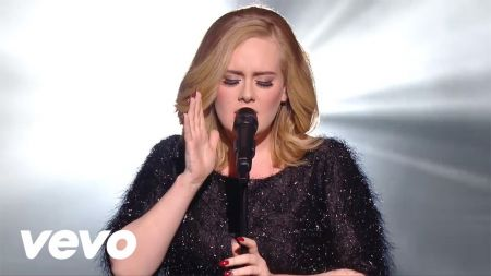 Adele closes 2015 as the top artist on Hot 100