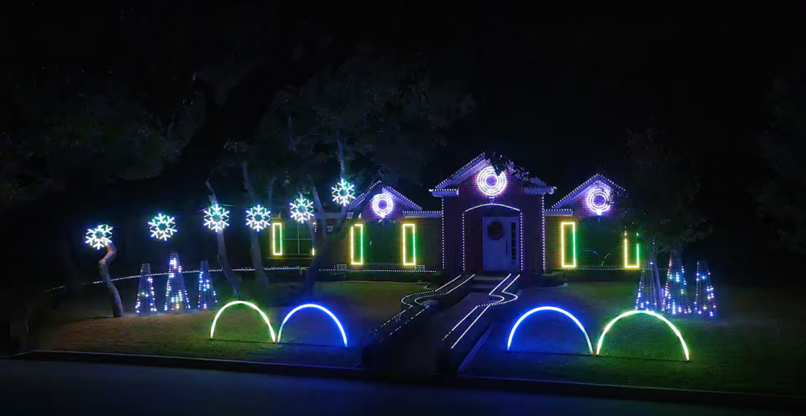 Watch: Texas family\'s epic dubstep light show for a good cause - AXS