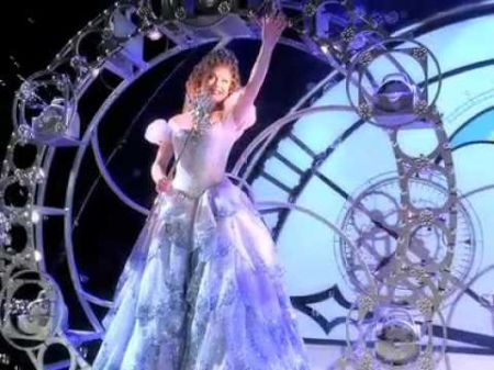 'Wicked' is wickedly entertaining