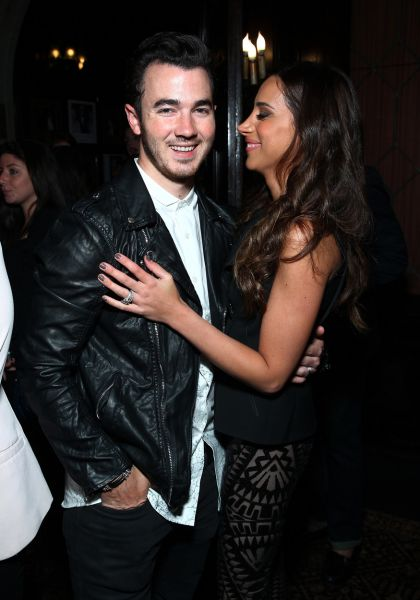 Kevin Jonas and Danielle Deleasa take to instagram to announce the soon to be new addition to their family.