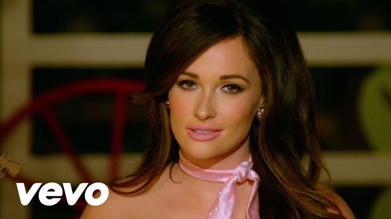Kacey Musgraves responds to man arrested for stealing her boots