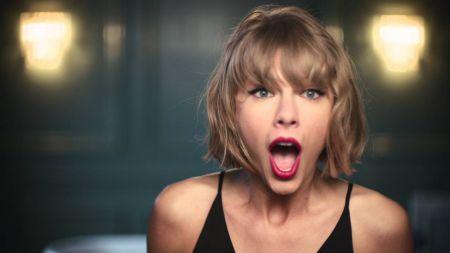 Taylor Swift's Apple ads help several artists including Drake