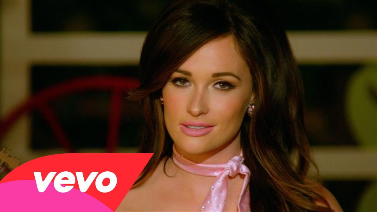 Kacey Musgraves' chomps down on her 'Biscuits' video, drops 'Family is Family'