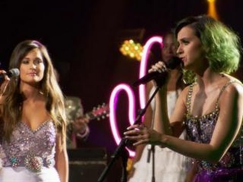 Kacey Musgraves and Katy Perry - their five best moments on stage together