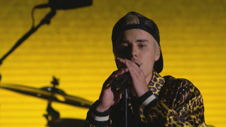 Justin Bieber, Skrillex and Diplo showcase versatility with Grammy performance