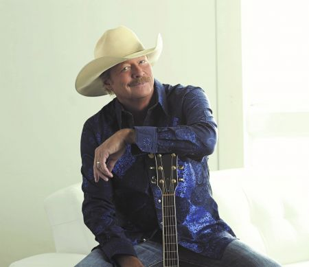 Alan Jackson is set to perform at the Infinite Energy Center on January 28, 2017.