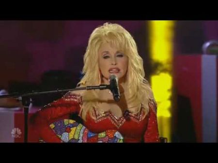 Dolly Parton steals hearts with her own 'Circle of Love' for 'Christmas at Rockefeller Center'