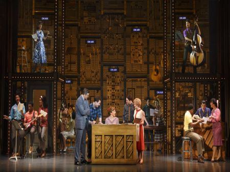 'Beautiful' takes audience on journey through Carole King's ups and downs