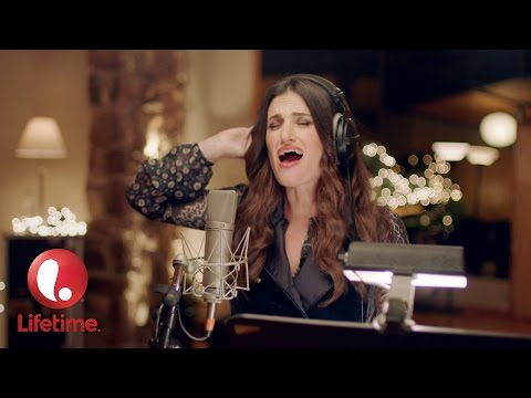 Watch Idina Menzel cover 'Wind Beneath My Wings' for 'Beaches' remake