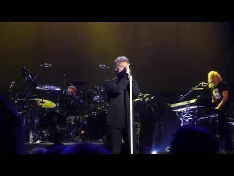Bon Jovi debuts new video for song 'New Year's Day'