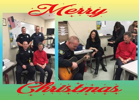 Country legend Randy Travis surprised a struggling Texas police officer on Christmas day.