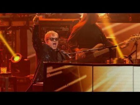 Elton John pays tribute to George Michael during Las Vegas show