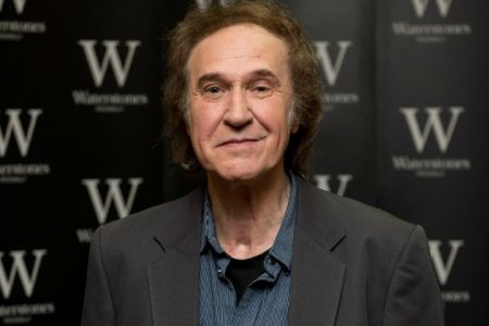 The Kinks' Ray Davies was honored with knighthood by Queen Elizabeth II for his services to the UK in the arts.