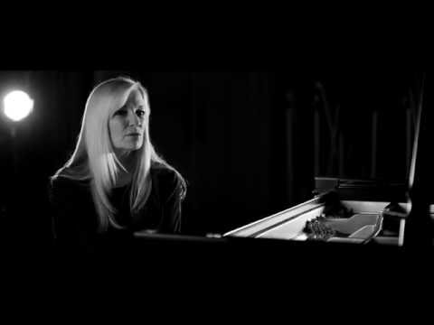 Lisa Hilton returns to solo piano on 'Day & Night'
