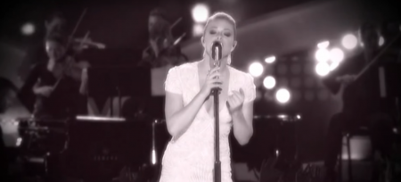 Leann Rimes performs a Patsy Cline medley at the 2013 American Country Awards.