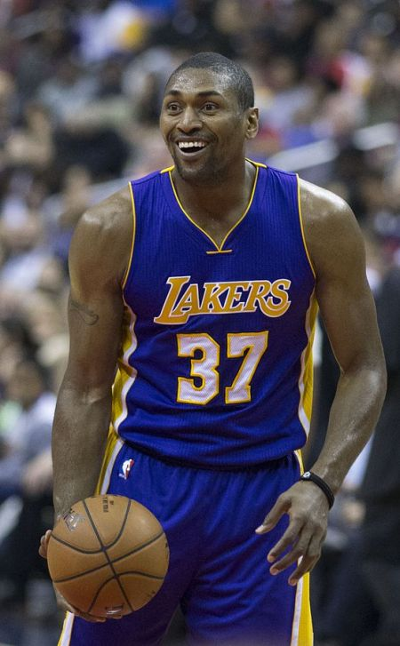Metta World Peace and Thomas Robinson will remain on the roster for the Los Angeles Lakers.