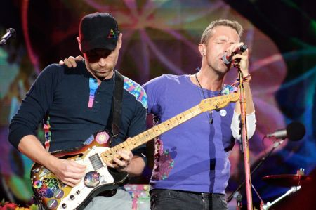 Coldplay are reportedly planning to put together a pair of concerts to help mend the relationship between Israel and Palestine.
