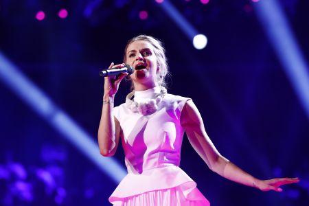 Gabriela Gunčíková performing for the Czech Republic in the 2016 Eurovision final