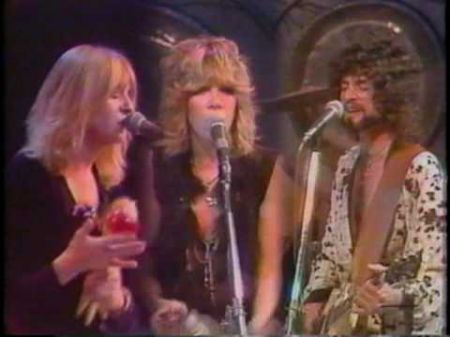 Fleetwood Mac's Lindsey Buckingham and Christine McVie to record new album without Stevie Nicks