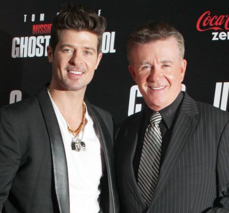 Robin Thicke will be joined by John Legend to honor late hockey-loving father, Alan Thicke at the NHL All-Star festivities next weekend.