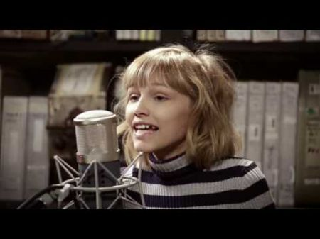 Watch: Grace VanderWaal delivers haunting Ed Sheeran cover with guitar from Shawn Mendes