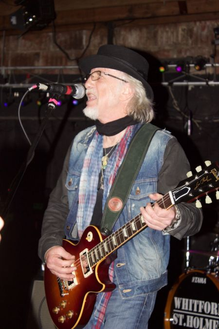 Aerosmith's Brad Whitford performs at a rare bar gig in 2015 with his former side project, Whitford-St. Holmes