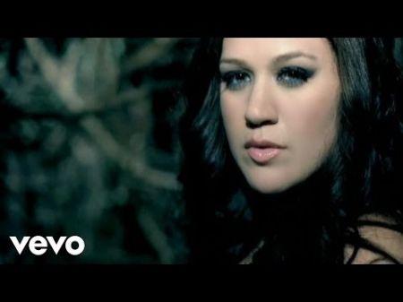 7 best Kelly Clarkson music videos